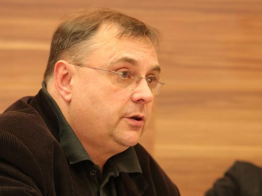 Aleksandar Milosavljević: Dijagnoza bez anamneze