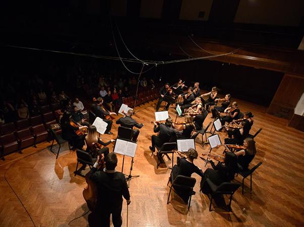 Muzikon u slavu Bernštajna