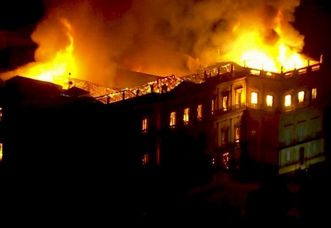 Nacionalni muzej Brazila stradao u požaru