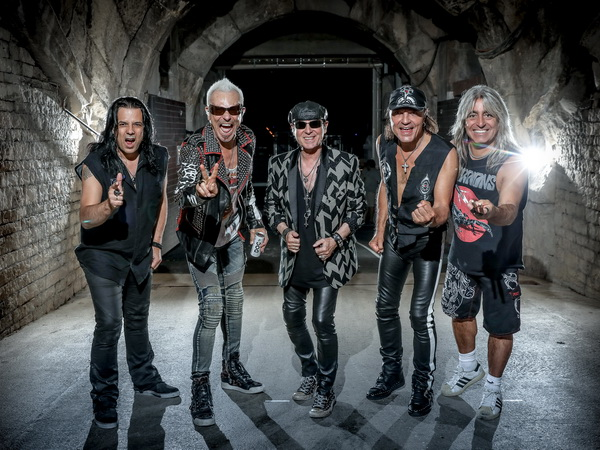 Pevač Scorpionsa: Mnogo mi je žao